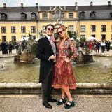 Der Hof der Galerie Herrenhausen ist ein wahrer Hingucker. Vor dem hübschen Springbrunnen lassen sich Gäste wie Prinzessin Elisabeth von Thurn und Taxis fotografieren.