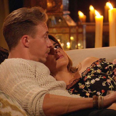 David darf bei Jessica übernachten.