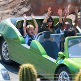 Actionreich wird es anschließend aber auch bei den Mädels, die mit coolen Rennautos fahren.