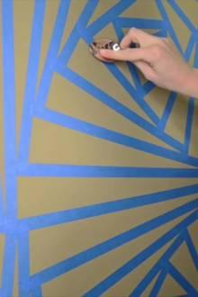 Kreative Wandbemalung: Einzigartiges Wandbild mit Klebeband