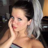 """Auf ihrem Instagram-Account zeigt sich Jenny Frankhauser erst vor wenigen Tagen mit extrem unreiner Haut. Dazu schreibt sie: """"Ich weiß echt nicht weiter ... Habe momentan eine schlechtere Haut als jemals zuvor ... Ich denke das kommt durch den ganzen Stress."""" Ob der Ärger mit ihrer Schwester Daniela ihr so sehr zu schaffen macht? Auch an der Haut der Katze geht es nicht spurlos vorbei ..."""