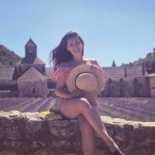Kelly Brook fängt die Atmosphäre der Provence in stimmungsvollen Urlaubsbildern ein.
