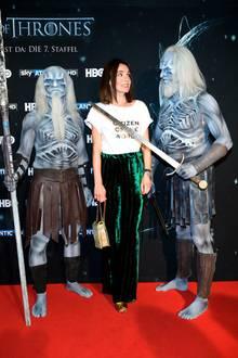"""17. Juli 2017  Nadine Warmuth gerät bei der Premiere der ersten Episode der 7. Staffel von """"Game of Thrones"""" in Berlin ins Gruseln."""