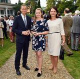 Eingeladen wurde übrigens auch Berlins regierender Bürgermeister, Michael Müller, der mit seiner Ehefrau Claudia und Tochter Nina erscheint.