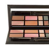 """Passt zu jedem Hautton: """"The Art of Makeup Essential Face & Eye Palette"""" von Kevyn Aucoin, ca. 92 Euro, über net-a-porter.com"""