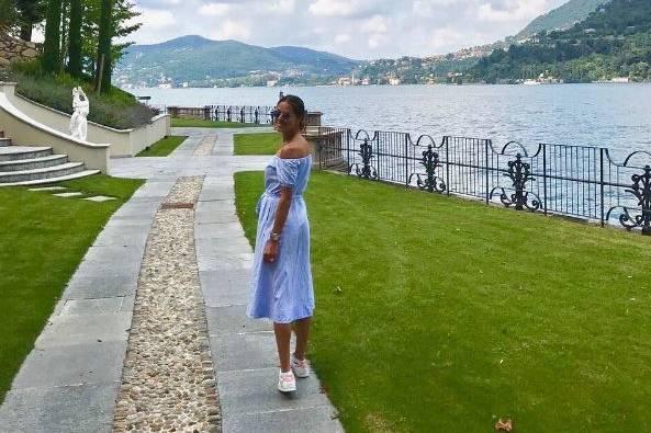 Ana posiert für Basti schulterfrei am Comer See