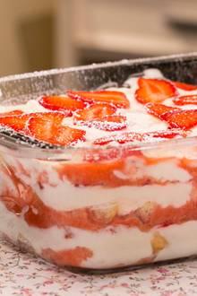 Sommerdessert: Erdbeer-Tiramisu