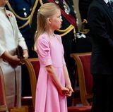 Prinzessin Eléonore weiß mit ihren neun Jahren ganz genau, was zu tun ist und verhält sich bereits wie eine feine Royal-Dame.