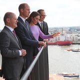 Von hier aus haben sie einen beeindruckenden Blick über Hamburgs Hafen und die Speicherstadt.