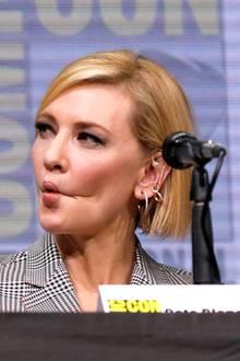 Mark Ruffalo hält die lustigen Grimassen seiner Schauspiel-Kollegin Cate Blanchett mit dem Handy fest.