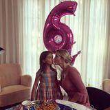 """17. Juli 2017  Arabella Rose Kushner wird heute schon sechs Jahre alt. Zu diesem Anlass gibt es im Hause Trump-Kushner traditionell Nudeln. Für ein Foto stellen Ivanka Trump und ihre Tochter die berühmte Szene aus""""Susi und Strolch"""" nach."""