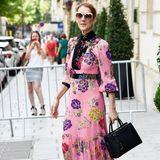 Hübscher als jeder Blumenstrauß: Celine Dion strahlt in einem pinkfarbenen Gucci-Kleid.