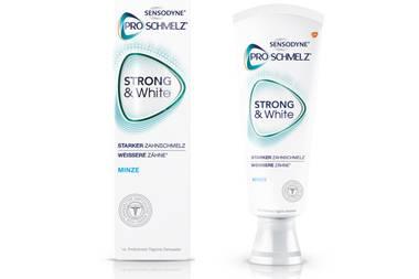 """Bitte lächeln! Kein Accessoire kleidet eine Frau so gut wie ein umwerfendes Lachen. Mit dieser Zahnpasta werden unsere Zähne nicht nur weißer, sondern auch stärker. """"Strong & White"""" von Sensodyne, ca. 5,45 Euro"""