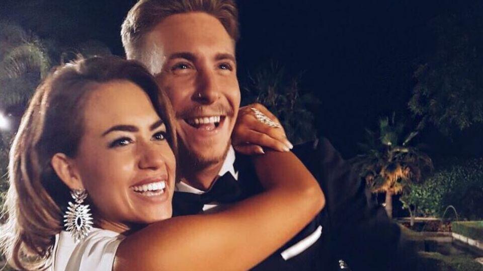 Jessica Paszka und ihr David scheinen auch heute noch ein Paar zu sein. Kurz nach der Ausstrahlung des emotionalen Finales posten beide dieses süße Bild: Es zeigt die beiden Turteltauben in der Nacht der Entscheidung.