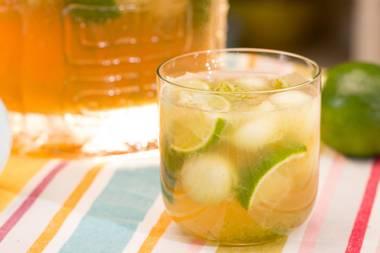 Der ganze Genuss des Sommers: Caipirinha-Bowle