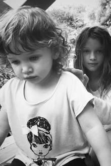 27. Juli 2017  Dashiel und Ever: Die Töchter von Milla Jovovich und Paul W. S. Anderson können schöner nicht sein.