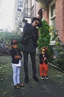 Keine Frage, woher die Inspiration für diesen Look kam: Papa war's! Sunnery James, der als Star-DJ um die ganze Welt reist, scheint seinen Kindern Phyllon und Myllena mindestens so viel Stilgespür vererbt zu haben wie Mama Doutzen.