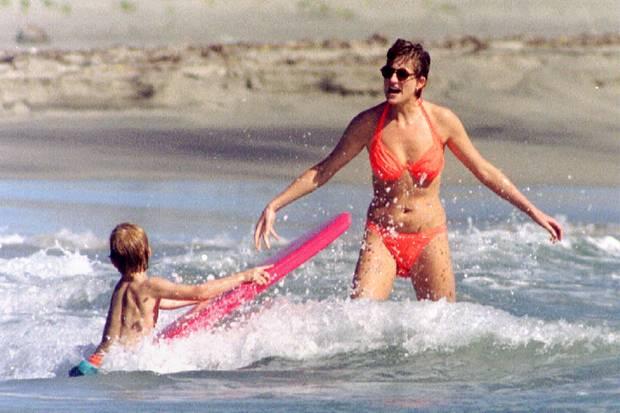 Auf diesem Bild bevorzugte Prinzessin Diana noch Bikinis