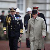 2. August 2017  Im Alter von 96 Jahren absolviert Prinz Philip, der Ehemann der Queen, seinen letzten offiziellen Termin. Vor dem Buckingham Palace nimmt er eine Militärparade der Royal Marines ab. Seinen Ruhestand hat er sich nun mehr als nur verdient. Die Anzahl seiner Termine verblüfft: