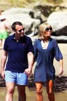 Emmanuel + Brigitte Macron: Dieses Urlaubsfoto sorgt für Belustigung