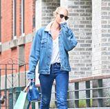 Candice Swanepoel möchte lieber nicht von den Paparazzi erkannt werden. Das klappt im lockeren Jeans-Look und Sonnenbrille aber doch nur bedingt.