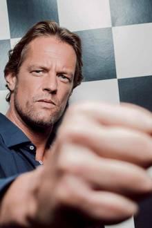 Steffen von der Beeck (43)  Der Medienberater und Ex von Jenny Elvers will seinen Aufenthalt im Haus nutzen, um sein Image aufzupolieren.