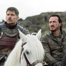 Jaime Lennister (Nikolaj Coster-Waldau, l.) und Bronn (Jerome Flynn) können nicht glauben, was da auf sie zukommt