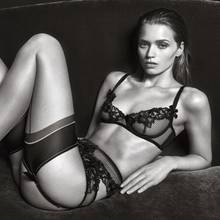 Abbey Leee Kershaw in einer Kampagne für Agent Provocateur