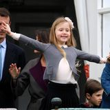 2017  Der Wildfang der dänischen Kronprinzenfamilie: Prinzessin Josephine ist immer kaum zu bändigen, nicht mal auf dem Schlossbalkon.