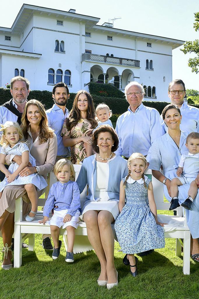 Drei Generationen der schwedischen Royals vereint auf einem Bild