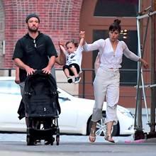 13. August 2017  ... Natürlich ist auch Söhnchen Silas mit dabei. Während Papa Justin Timberlake den Kinderwagen schiebt, wird der niedliche Nachwuchs von Mama Jessica Biel und einer Nanny bespaßt.
