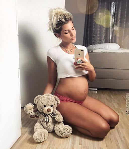 schwangere stars promis und ihre babyb uche s 120. Black Bedroom Furniture Sets. Home Design Ideas