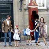 Am 15. August 2017 machen sich Prinzessin Josephine und Prinz Vincent zum ersten Mal zur Schule auf. Von Schloss Amalienborg geht es für sie in die Tranegaardschule.