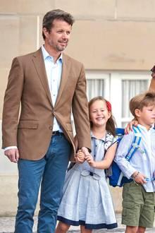 Bei Vincent kullern vor der Abreise zwar ein paar Tränen, dafür strahlt seine Schwester jedoch für zwei. Was für ein klasse Tag!