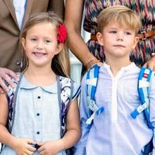 Jetzt beginnt der Ernst des Leben! Und so schick in hellen Blautönen sind Prinzessin Josephine und Prinz Vincent für ihren ersten Schultag gekleidet.