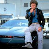 Schnelle Autos, schöne Frauen, viele Stunts - David Hasselhoff gilt in seiner Rolle als Michael Knight als DER Actionheld der 1980er-Jahre. Er ist der Draufgänger, von dem viele Frauen träumen und wird zum Cover-Star des folgenden Jahrzehnts.