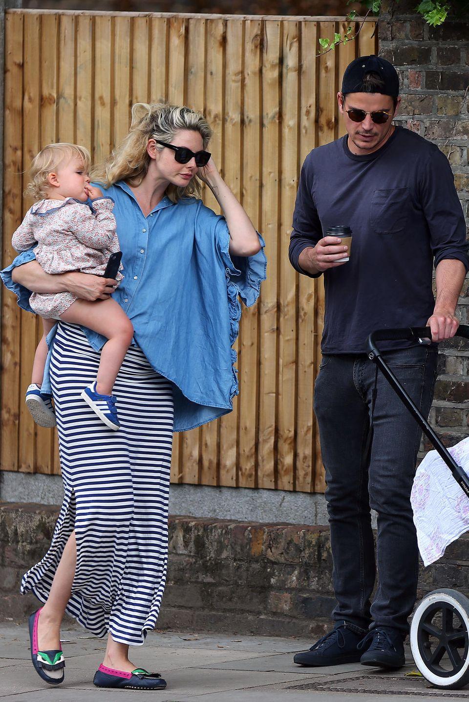 Josh Hartnett undTamsin Egerton mit ihren Kindern
