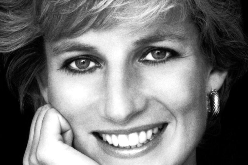 """Standardwerk: """"Diana – Die Biographie"""" von Tina Brown, Droemer TB, 823 Seiten, 14,99 Euro"""