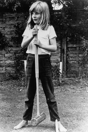 Sportlich war Diana schon als Kind, hier als Neunjährige im Urlaub beim Crocket