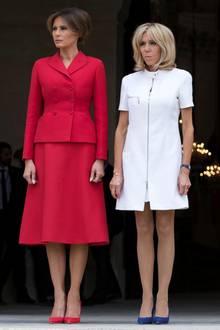 Melania Trump und Brigitte Macron bei einem Treffen in Paris am 13. Juli 2017