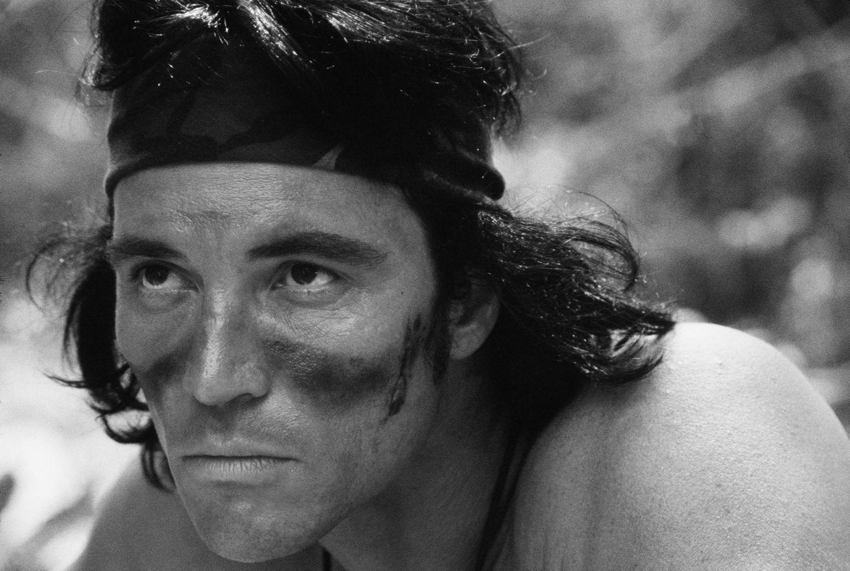 """17. August 2017: Sonny Landham (76 Jahre)  In den vergangenen Jahren war es ruhig um ihn geworden, aber vor allem Action-Fans werden Sonny Landham nicht so schnell vergessen. Er verstarb am Donnerstag im amerikanischen Lexington an den Folgen einer kongestiven Herzinsuffizienz, wie unter anderem das Branchenmagazin """"Variety"""" berichtet.Am bekanntesten war der Schauspieler wohl für den Action-Kultfilm """"Predator"""", in dem er an der Seite von Arnold Schwarzenegger spielte. Landham hinterlässt seinen Sohn William und seine Tochter Priscilla."""