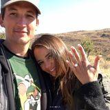 Liebes-Safari: Hollywoodstar Miles Teller hat seiner langjährigen Freundin Keleigh Sperry im Afrika-Urlaub einen Heiratsantrag gemacht. Nach vier Jahren Beziehung will der Schauspieler mit seiner Model-Freundin den nächsten Schritt wagen und besiegelt ihre Liebe mit einem beachtlichen Verlobungs-Klunker.