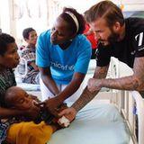 """Mit diesem Foto macht David Beckham auf die """"UNICEF""""-Helfer aufmerksam, die täglich alles Erdenkliche für Bedürftige tun."""