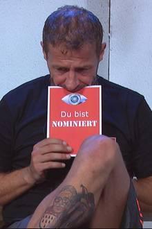 Willi Herren mit der Nominierungskarte