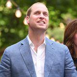 """Prinz William  Als Forbes im Jahr 2008 die Liste der """"Hottest Young Royals"""" erstellt, ist Prinz William auf dem ersten Platz. Er punktet besonders mit seiner Bekanntheit und seinem Ansehen, das er sich durch seine hilfsbereite, respektvolle und sympathische Art erarbeitet hat."""