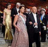Dezember 2014: Bei der Verleihung des Nobelpreises 2014 war Prinzessin Madeleine wenige Wochen mit Prinz Nicolas schwanger. Gesehen hat man es in der schönen Abendrobe des Designers Fadi el Khoury aber noch nicht.