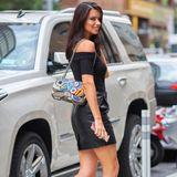 """Adriana Lima ist fast wie eine Kultfigur, wenn es um """"Victoria's Secret"""" geht. Die 36-Jährige arbeitet seit 1999 für das Lingerie-Label und durfte den begehrten Fantasy Bra schon drei Mal tragen (eine Ehre, die sonst nur Heidi Klum zuteil wurde)."""