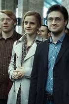 """1. September 2017  Im Jahr 2011 endet die spektakuläre Saga """"Harry Potter"""". Kenner wissen, dass in der letzten Szene (Harry Potter und die Heiligtümer des Todes – Teil 2) ein Zeitsprung in die Zukunft stattfindet, während dem Harry, Ginny, Hermione und Ron ihre Kinder zum Hogwarts Express bringen. Im Film ist dieser Tag der 1. September 2017 - sprich genau heute."""