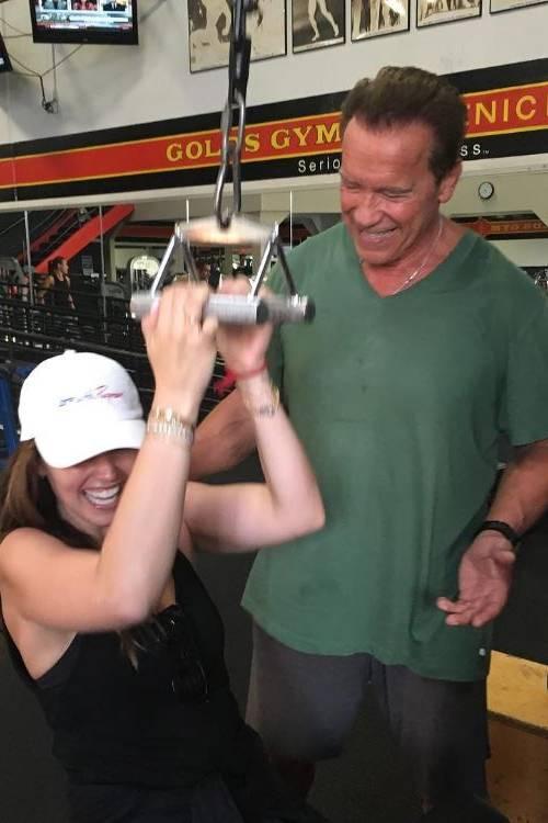 einen besseren fitnesscoach kann man wohl nicht bekommen tochter katherine besucht ihren vater arnold schwarzenegger - Arnold Schwarzenegger Lebenslauf