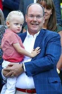 1. September 2017  Auch Fürst Albert präsentiert sich mit neuem Look. Monacos Oberhaupt hat sich jetzt einen Schnurrbart wachsen lassen.